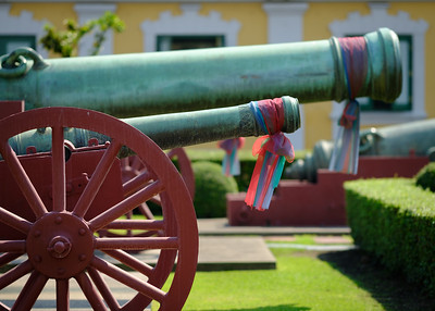Military HQ by the Grand Palace in Bangkok. I don't think these cannons get used much.