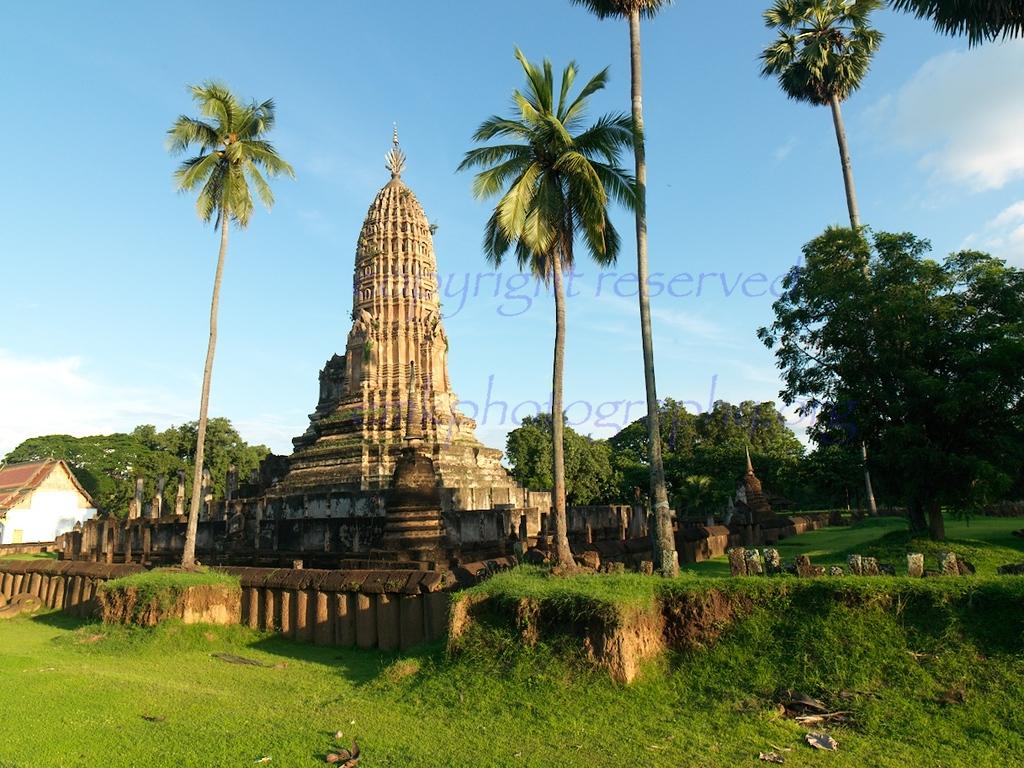 Wat Phra Si Rattana Mahathat Chaliang