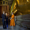 Obama and Clinton visit Wat Po on November 18, 2012 (Yahoo).