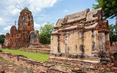 Vihara Klaeb - Wat Maha That