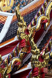 Wat Pho - Roof Decorations