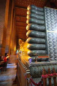 Mother of pearl feet of reclining Buddha