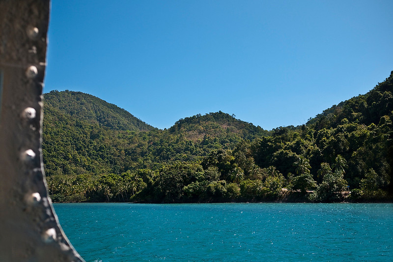 Approaching the island which is the greenest i have been on so far in Thailand