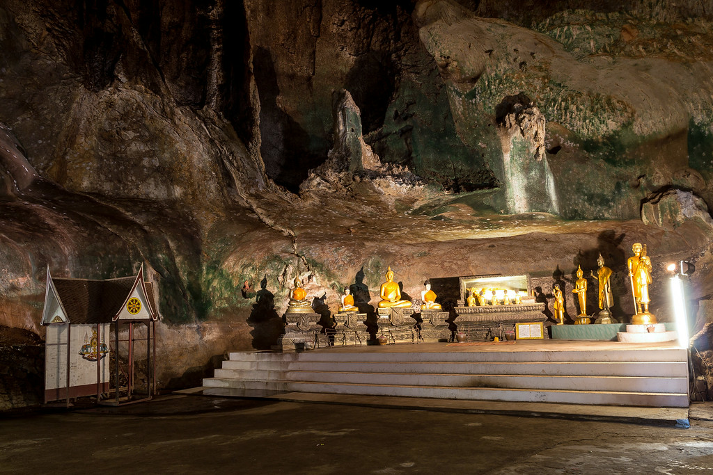 Wat Suwannakuha Temple Cave, Phang Nga