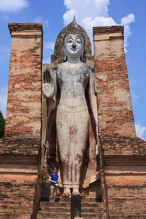 Phra Attharot Buddha  Phra Attharot is a literal reference to their large size (see Stacy)