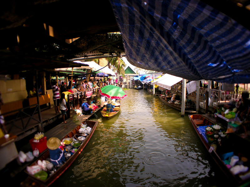 Taling Chan Floating Market 3