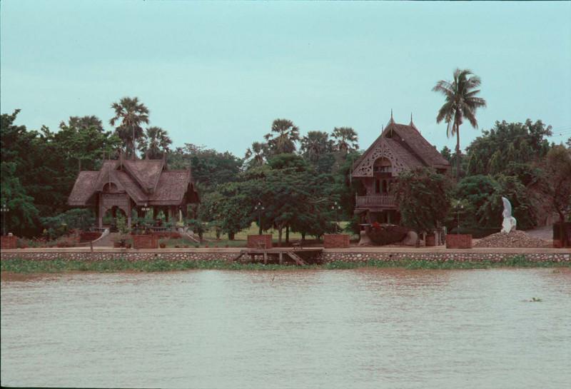 thai325