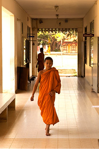 Young Monk on the way to classroom