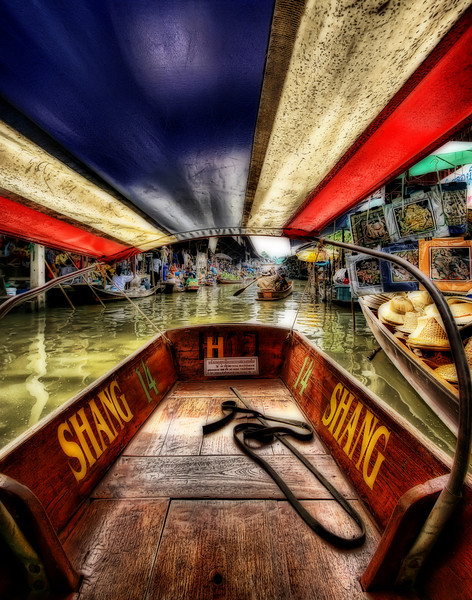 The Damnoen Saduak Floating Market (Thailand)