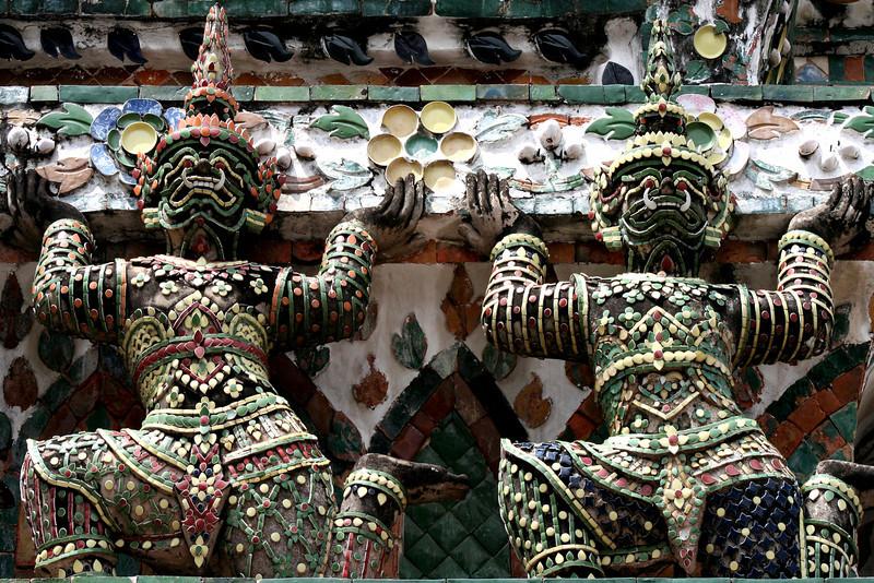 Guardian figues, Wat Arun, Bangkok.