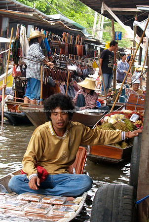 Bangkok life Model released; no, for editorial & personal use.