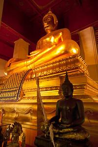 Wat Mongkol Bophit Bronze Buddha