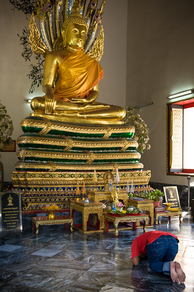 Many other temples with Buddhas scattered about