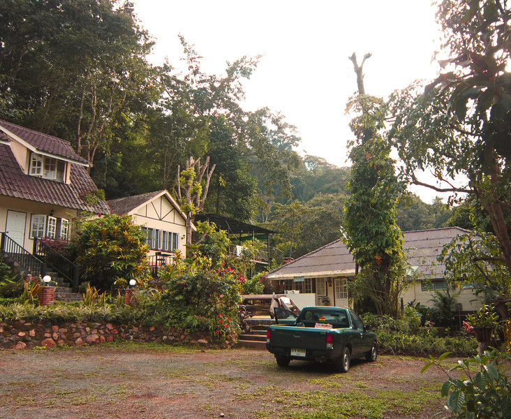 The Happy House resort is located in the mountains north of Chang mai. It is right on the edge of the federally protected forest.