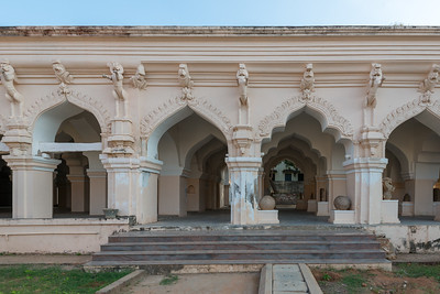 The Thanjavur Maratha Palace Complex, known locally as Aranmanai, is the official residence of the Bhonsle family which ruled over the Tanjore region from 1674 to 1855. The palace complex consists of the Sadar Mahal Palace, the queen's courtyard and the Durbar Hall. The Raja Serfoji Memorial Hall and the Royal Palace Museum are situated in the Sadar Mahal Palace. There is also a small bell tower. The Saraswathi Mahal Library is situated with the Thanjavur palace complex.