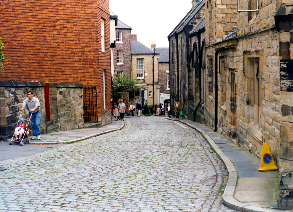 1997-07-28 The steep road to Durham Cathedral.