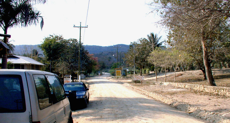 Mar 20.  Today we transferred to Flores.  The plane was late, so we didn't go first to the hotel as planned but pushed on to Yaxha, stopping here at Casa Don Davis for a late lunch (restaurant to the left), in the small town called El Remate.