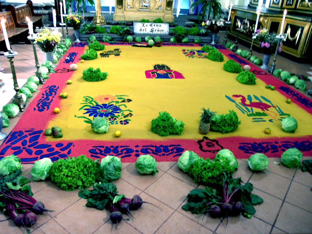 Mar 17.  At Esta Cathedral, a sawdust painting, made with ordinary sawdust mixed with various colors, similar to the sand paintings of the Indians of Southwest U. S.  During the Easter celebration people walk over these creations, and stomp them to nothing.
