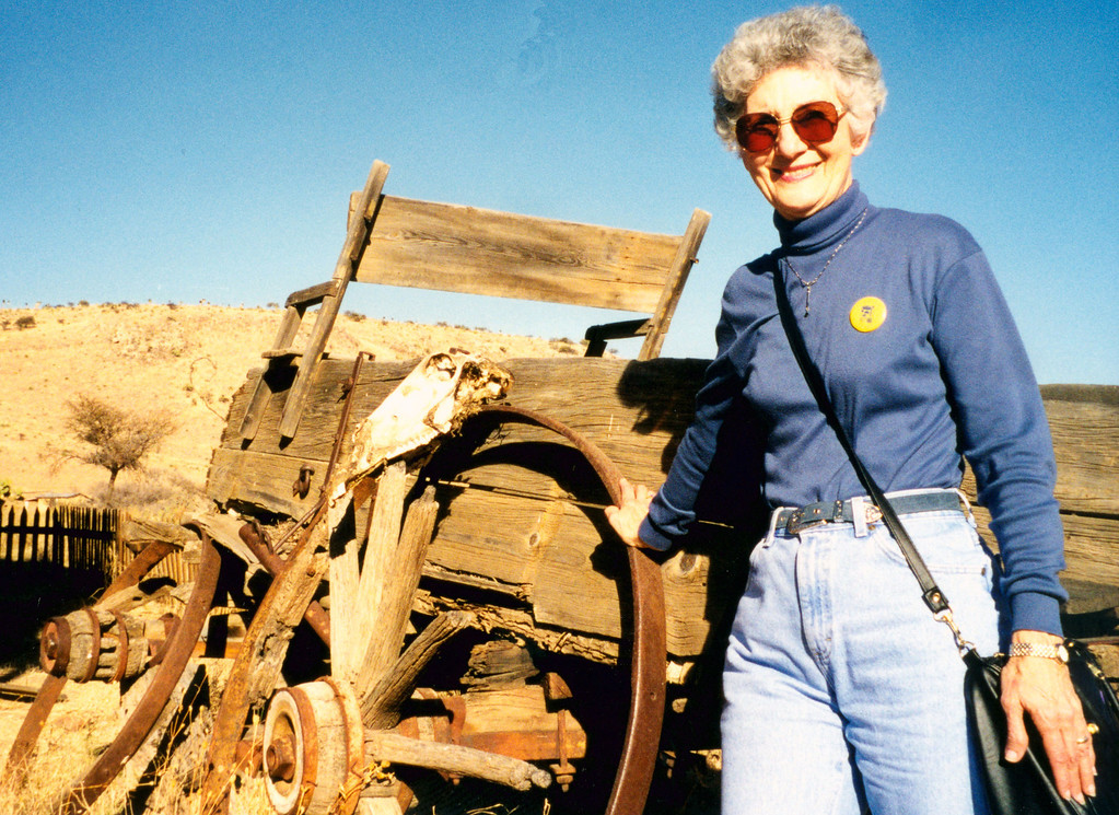 1999-02-15 05 Betty by an old wagon at Villa del Oeste.
