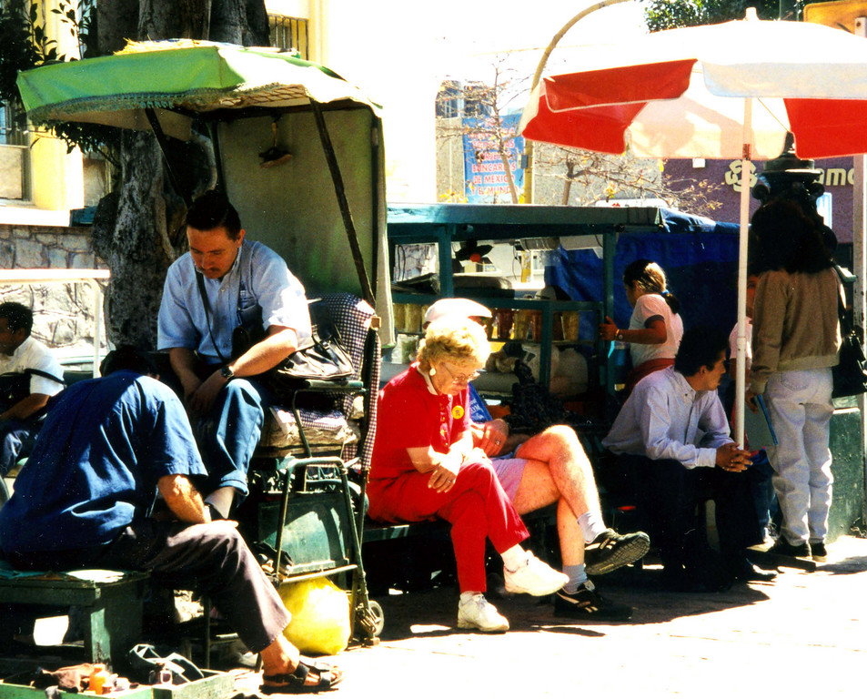 1999-02-17 20 Many shoe shines stands are in Mexico.  This one in Old Mazatlan on Plaza Revolucion.