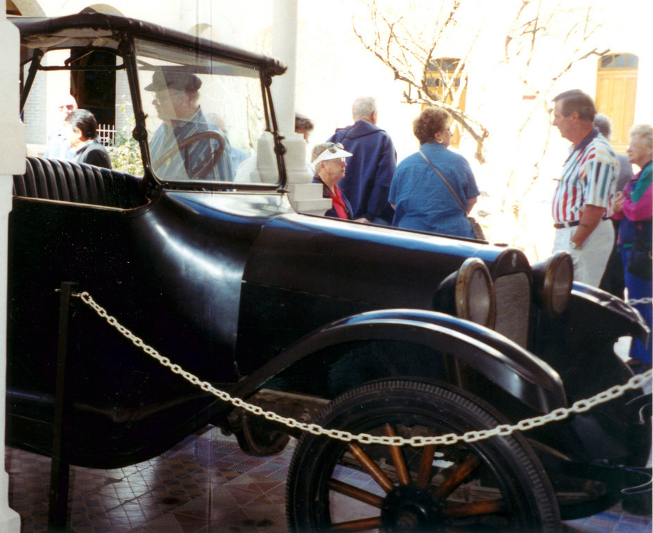 1999-02-21 10 The car in which Pancho Villa was killed.