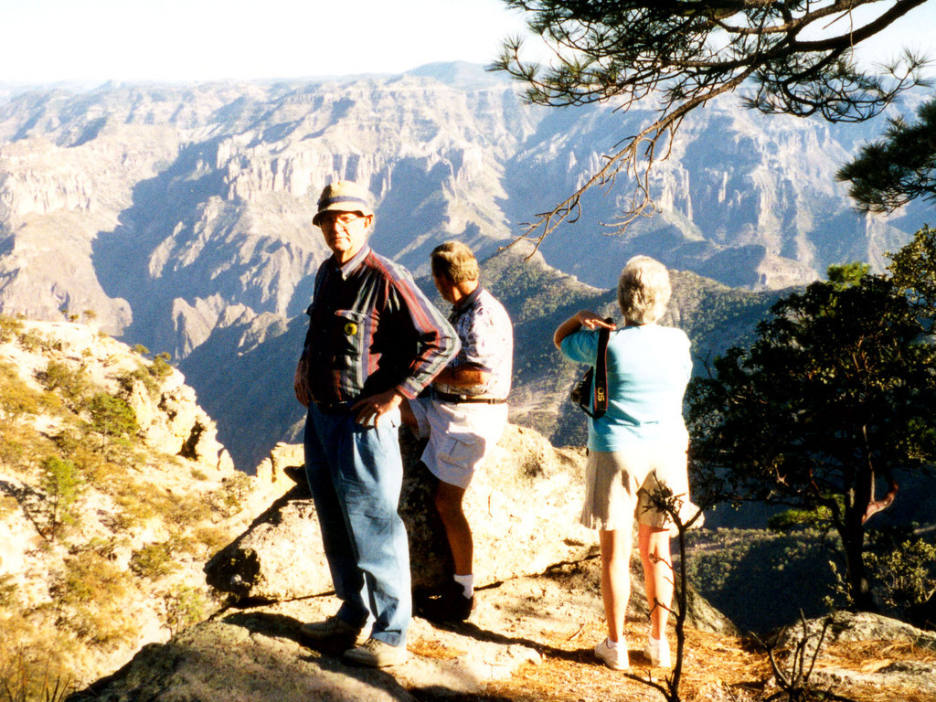 1999-02-19 11 After checking into our hotel on the edge of Copper Canyon, we walked along the canyon.