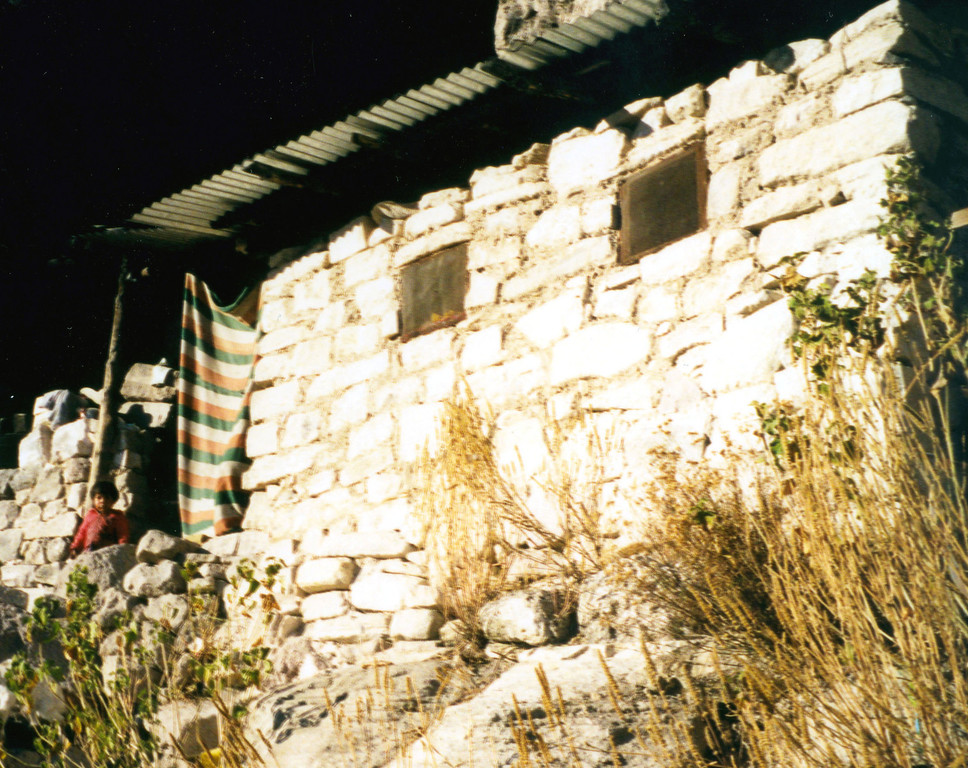 1999-02-19 19  Along the trail is this house, one of the better Indian houses our guide said.
