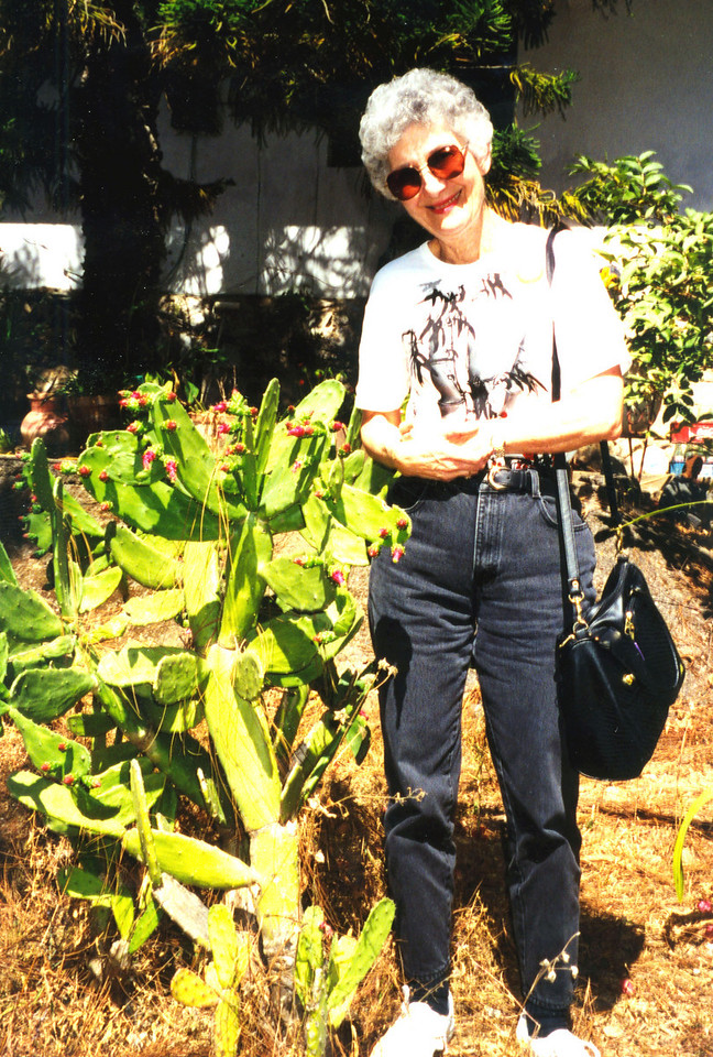 1999-02-16 09 Betty with cactus at Hotel Villa Blanca, where we had a snack and a rest stop.