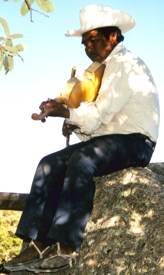 1999-02-19 18 The Tarahumara men are noted for both making and playing the violin.