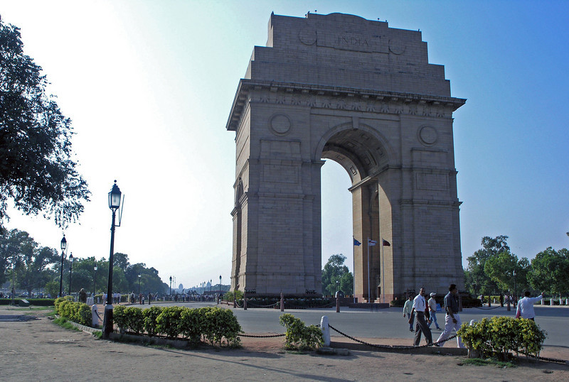 Feb 26.  In a large park is this monument, the India Gate, a memorial to Indian soldiers who served with the British in WWI and in Britain's 19th century war with Afghanistan.  An eternal flame burns in memory of those who died.