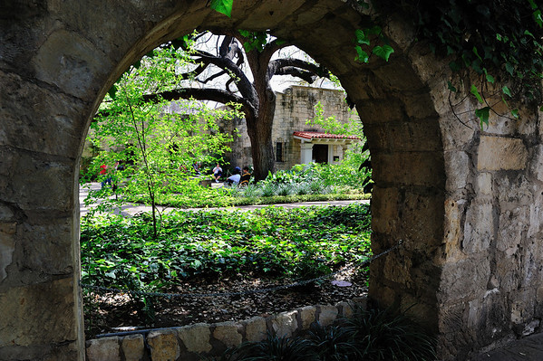 The Alamo Grounds and Menger Hotel March 2009
