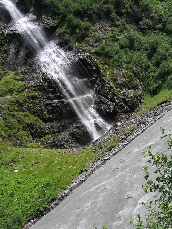 Roadside Bridal Veil Falls Alaska