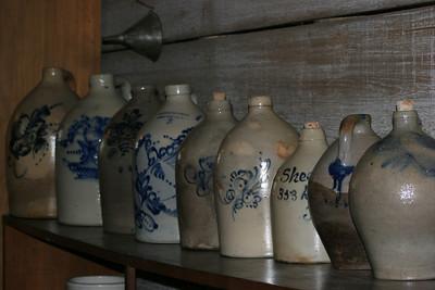 Shaker pottery
