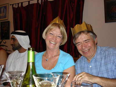 Dubai: What better way could there be finish our epic adventure than to have Xmas dinner at the behest of Sheik Bin-Laden and then Balloon over the Dubai desert? We scored a coup by getting the Sheik to fund our dinner on Xmas Eve and then had another feast with Hinemoa on the day.