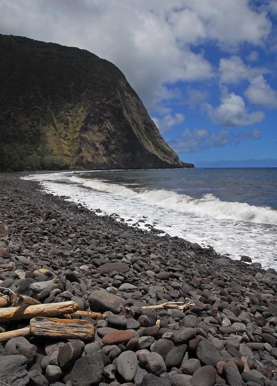 The rock beach at Waimanu
