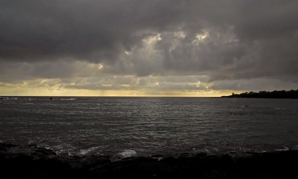 Dark skies at Hiki-au Heiau park.