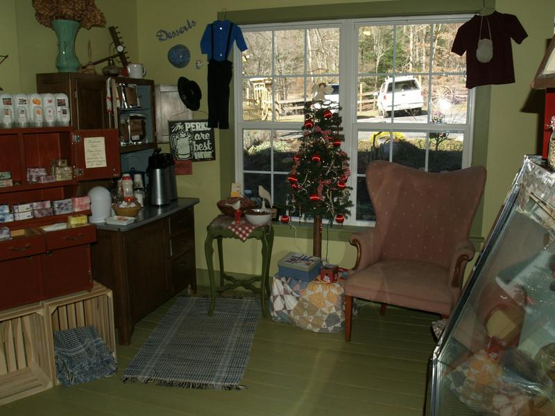 The coffee area at Troyer's Country Amish Blatz