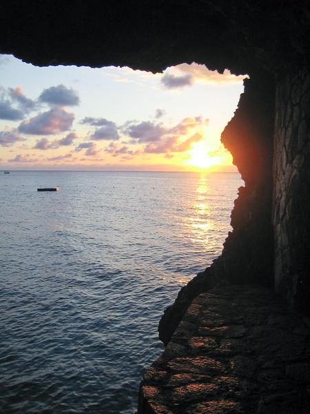 Sunset in Moonbeam Caves