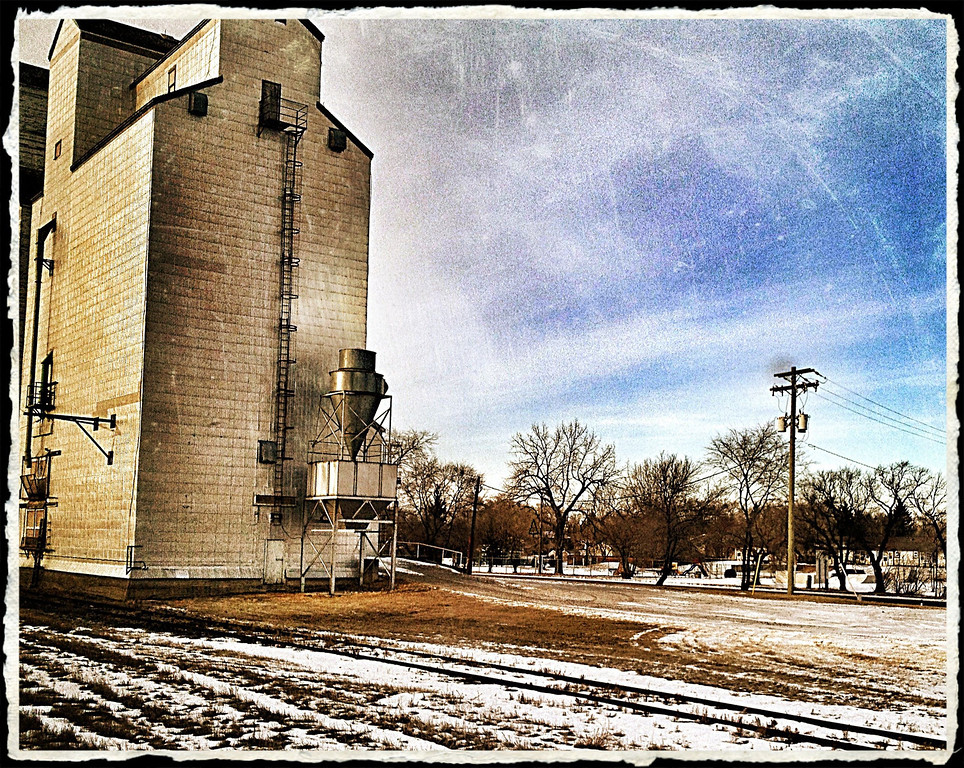 Another iconic prairie shot...we passed through many small towns that were punctuated with our very own wheat castles, the stalwart grain elevator.