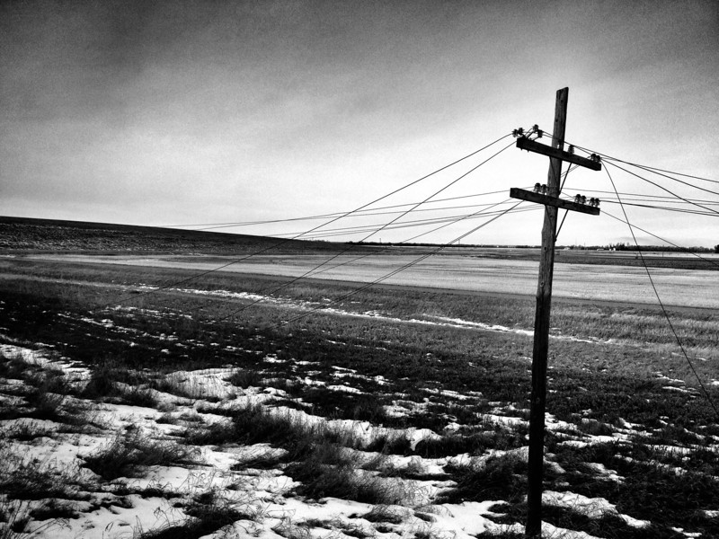 If you asked me what I remember the most about our Manitoba day, I can say, without a doubt, the long lines of bent hydro poles, many with the lines twisted and sagging. Windswept is the best adjective for Manitoba in December I think...