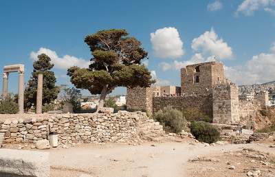 Byblos: Roman ruins and Crusader castle