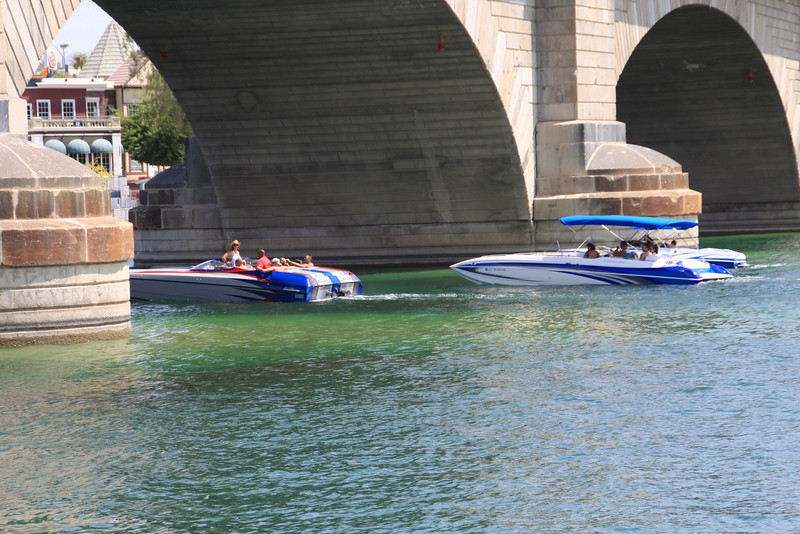 Boat traffic under the London Bridge
