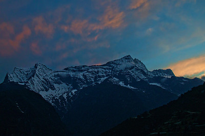 Kongde Ri peak at Sunset.
