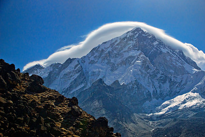 A Stratocumulus Lenticularis cloud forming over Lhotse peak (8501m elevation)