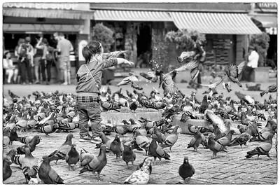 Feed the doves! @ Boudhanath Stupa, Kathmandu