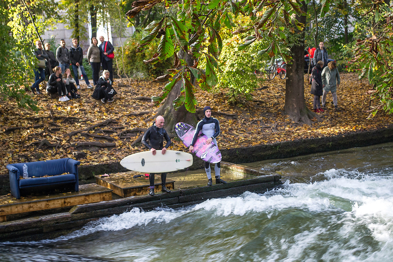 Surfing at Eisbach, note Pleasure Point style couch....