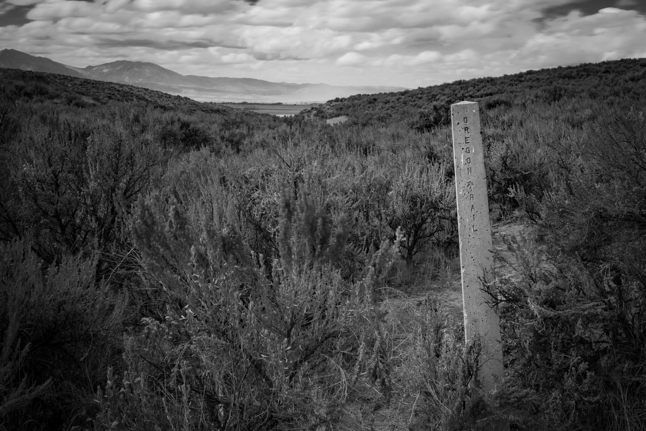 concrete marker oregon trail