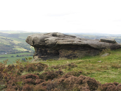 Stanage Edge and views
