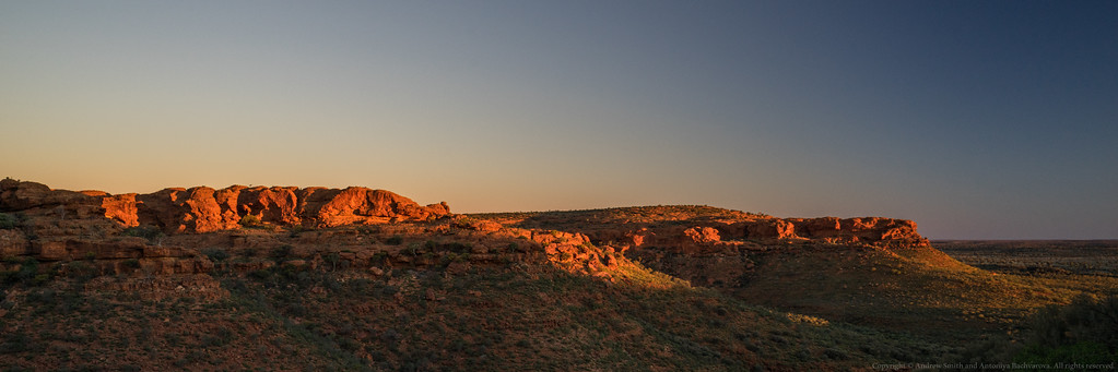 Sunset on the escarpment at Kings Canyon.