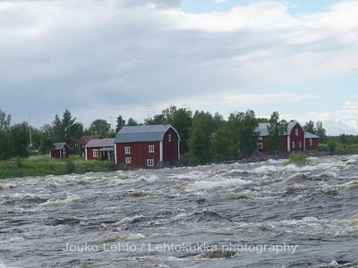 Kukkolankoski, A view to Sweden